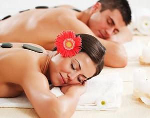 massagem-com-pedras